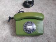 Älterer Telefonapparat grün