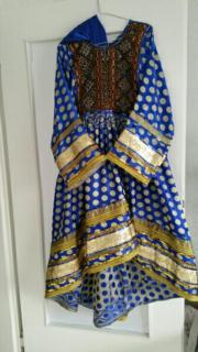 Afghanisches traditionelles Kleid (