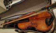 Alte antike Geige -