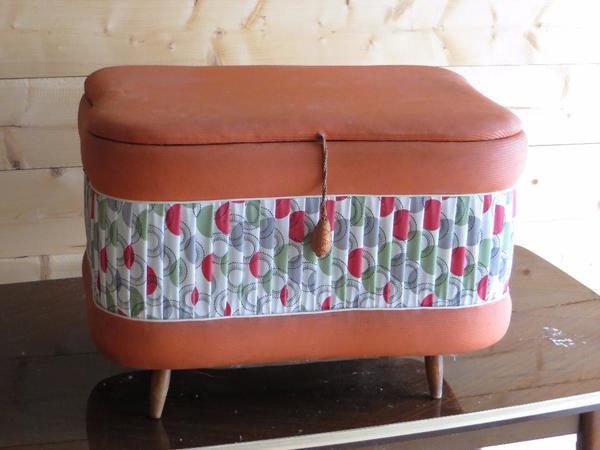 alte schlafzimmer truhe aus den 60/70er jahren in mettenheim, Schlafzimmer