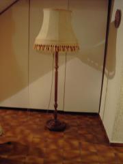 Alte Stehlampe, 70er-
