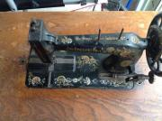 Antike prunkvolle Nähmaschine