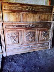 antikes Bett mit