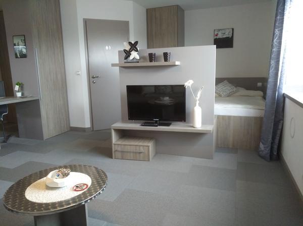 apartment anstatt hotelzimmer ab 1 kompl neuw. Black Bedroom Furniture Sets. Home Design Ideas