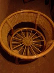 Bambustisch mit Glasplatte