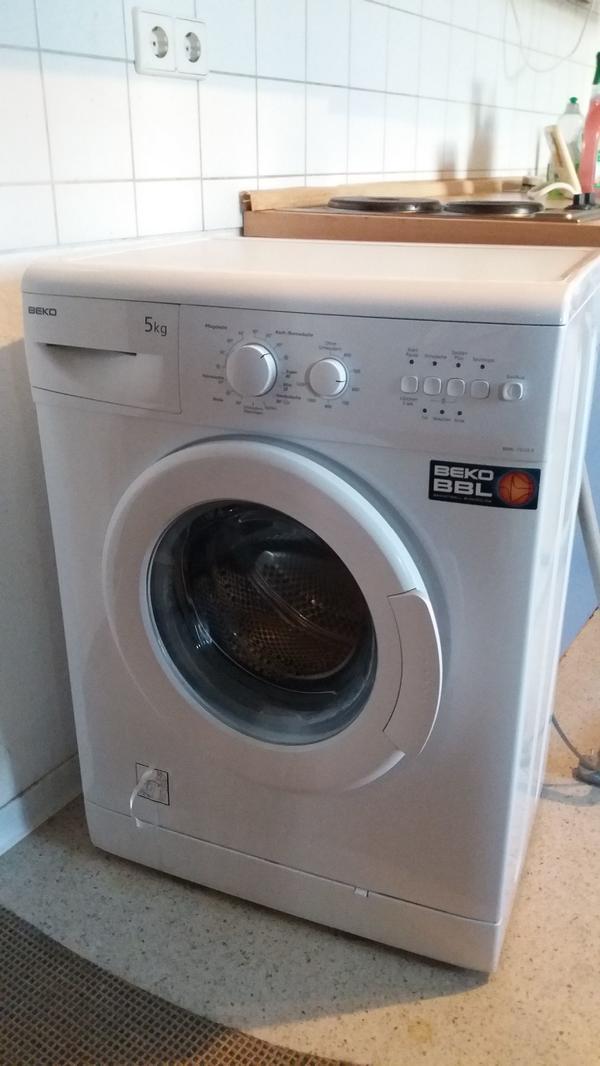 Beko Waschmaschine 5kg Sehr günstig abzugeben Karlsruhe - Karlsruhe Beiertheim-bulach - Verkaufe sehr günstig eine treue funktionierende BEKO Waschmaschine.Siehe Bilder. - Karlsruhe Beiertheim-bulach