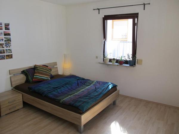 bett in top zustand 140x200 mit lattenrost, matratze und 2 x, Hause deko