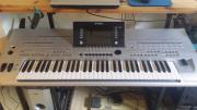 Biete.: Keyboard Tyros