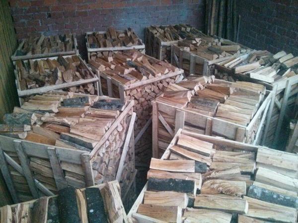 brennholz buche kaminholz auf paletten ges gt auf 33 cm ster raummeter in kammeltal holz. Black Bedroom Furniture Sets. Home Design Ideas