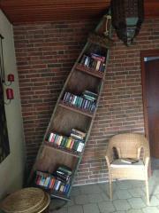 Bücherregal Boot