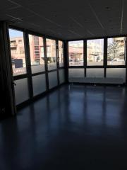 Bürofläche mit Halle