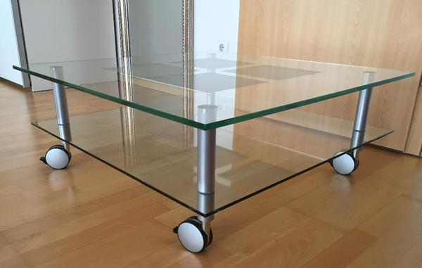 couchtisch glastisch quadratisch 2 platten rollen in m nster couchtische kaufen und verkaufen. Black Bedroom Furniture Sets. Home Design Ideas