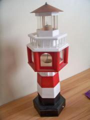 Deko-Leuchtturm aus Holz