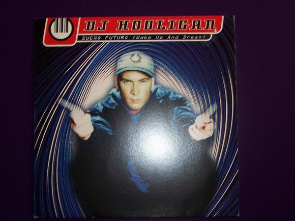 DJ Hooligan - Sueno Futuro Maxi-LP - Fichtenberg - DJ Hooligan - Sueno Futuro (Wake up and Dream). Maxi-Lp. Sehr guter Zustand. Versandkosten 4 Euro.Privatverkäufer. Gewährleistung und Rücknahme sind ausgeschlossen. - Fichtenberg