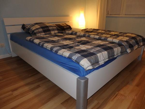 doppelbett 180x200 lattenrost gebraucht kaufen nur 4 st. Black Bedroom Furniture Sets. Home Design Ideas
