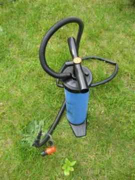 Doppelhubkolbenpumpe 2x 3 Liter Druck: Kleinanzeigen aus Birkenheide Feuerberg - Rubrik Campingartikel