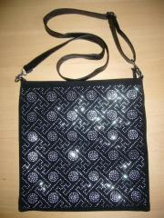 Elegante Handtasche schwarz mit silbernen