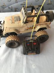 Ferngesteuertes Auto Jeep