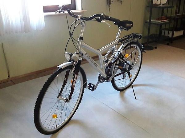 fahrrad f r jugendliche gebraucht kaufen nur 4 st bis. Black Bedroom Furniture Sets. Home Design Ideas