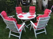 Gartenstühle mit Tisch