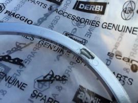 Gilera GP800 Armaturenblende aprilia SRV850: Kleinanzeigen aus Oberasbach - Rubrik Motorrad-, Roller-Teile