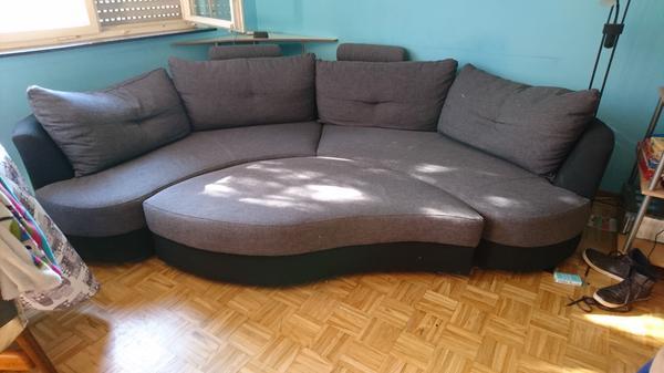 halbrundes sofa sehr gut erhalten in kornwestheim. Black Bedroom Furniture Sets. Home Design Ideas