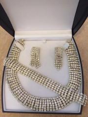 Halskette Ohrringe Armband