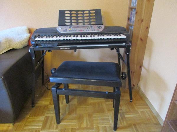 Keyboard - Marbach - Keyboard WK1 von GEM, kaum gespielt, midi, 96 Styles, 464 Sounds, dazu Klavierhocker höhenverstellbar und verstellbaren, stabilen Keyboardtisch beide von K&M Germany. - Marbach