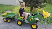 Kinder Traktor mit