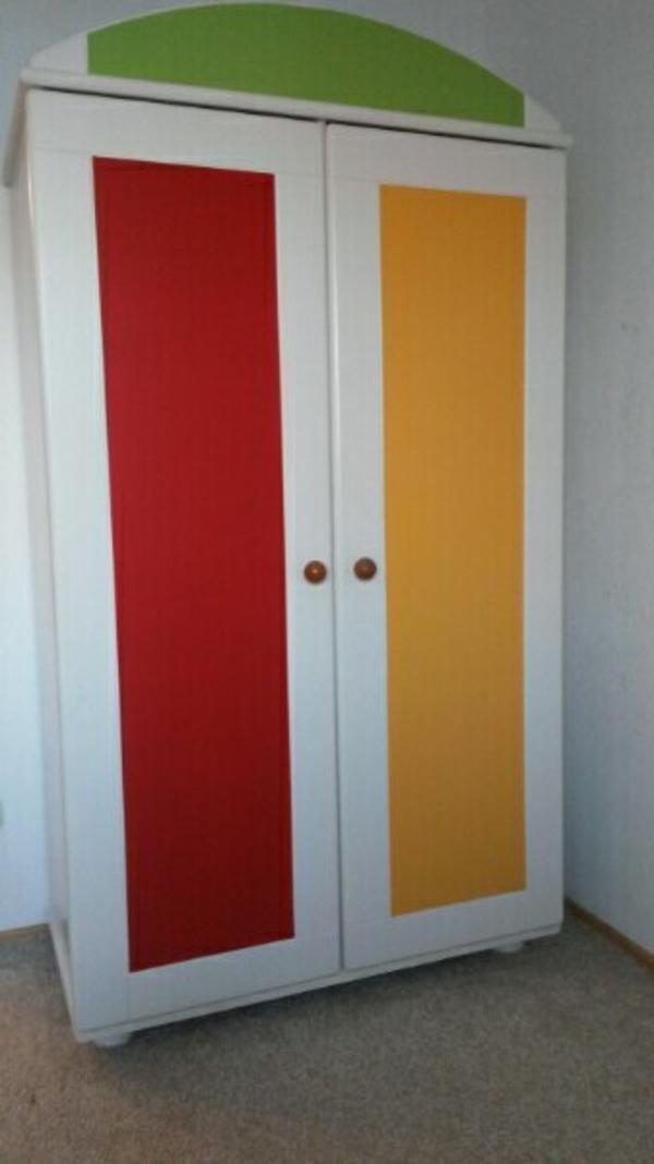 Gebraucht, Kinderzimmer/Babyzimmer/Babybett/Wickelkommode gebraucht kaufen  82008 Unterhaching