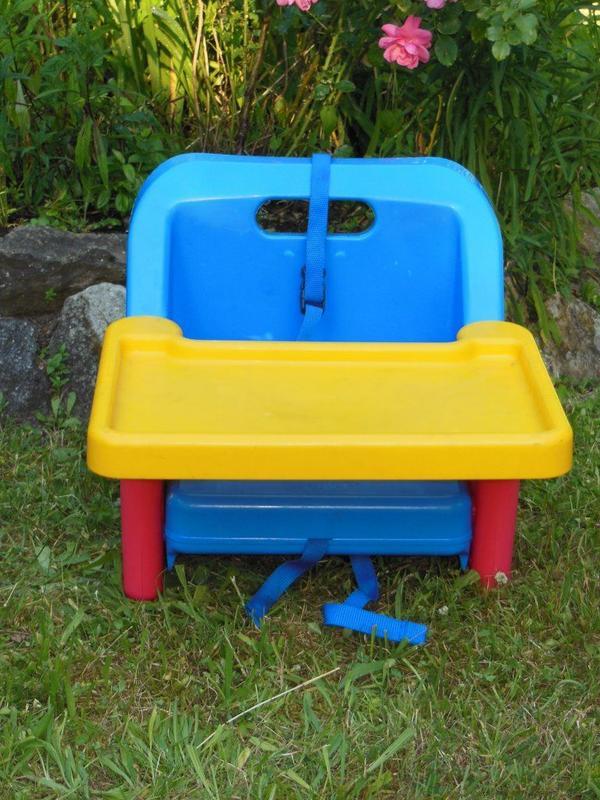 klappbarer babysitz kindersitz booster f r urlaub. Black Bedroom Furniture Sets. Home Design Ideas