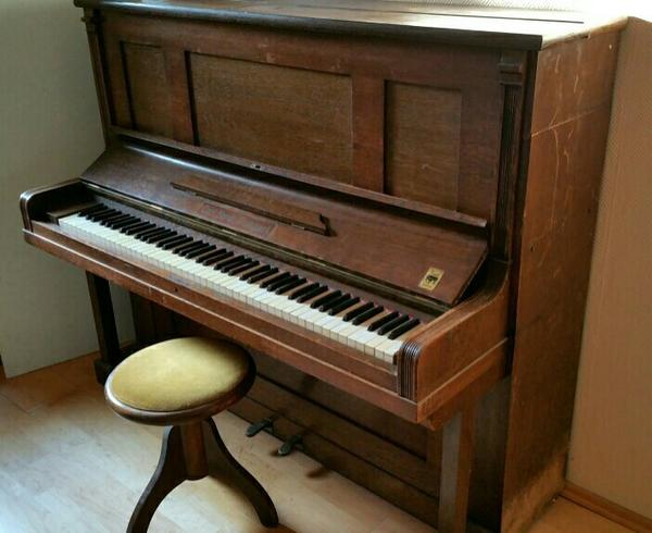 klavier von carl hardt stuttgart in n rnberg tasteninstrumente kaufen und verkaufen ber. Black Bedroom Furniture Sets. Home Design Ideas