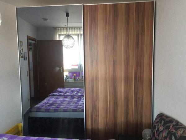 kleiderschrank nussbaum gebraucht nussbaum kleiderschrank. Black Bedroom Furniture Sets. Home Design Ideas