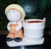 Kleines Pflanztöpfchen mit Lausbube - Keramik