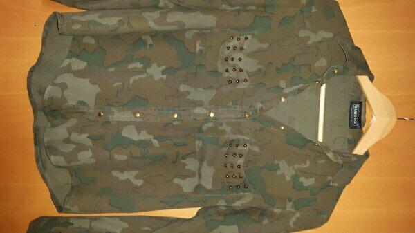 LAURA SCOTT Bluse - Bellheim - Gr. 34khakifarbenmit goldfarbenen Nietenkaum getragenNichtraucherhaushalt - Bellheim