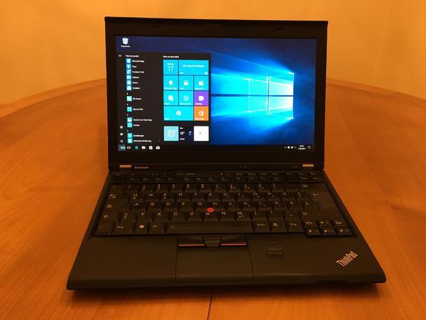 "Lenovo X220 Laptop (ThinkPad) - Esslingen Hohenkreuz - Lenovo X220 Laptop (ThinkPad)i5-2540 (2.60 GHz). 8GB RAM. 250GB SSD Samsung 850 Evo (09.2016). Intel HD-Graphics. 12.5"" IPS-Display. Fingerprint Reader. Lenovo 6c Li-Ion Akku (02.2016). Ladegerät 65W. MS Windows 10 Pro. Sehr guter  - Esslingen Hohenkreuz"