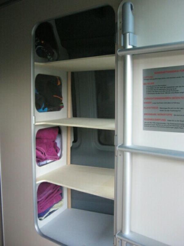 Maßgefertigte Einlegeböden Kleiderschrank Ford Nugget der Bj. 2011 ...