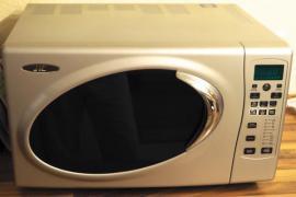 mikrowelle hei luftofen und grill in einem ger t. Black Bedroom Furniture Sets. Home Design Ideas