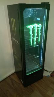 monster energie getr nke k hlschrank wie neu in. Black Bedroom Furniture Sets. Home Design Ideas
