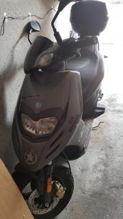 Motorroller piaggio typhoon