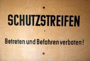 Original DDR Grenzschild