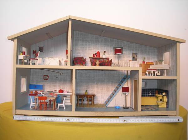 puppenhaus mit m beln zu verkaufen in oberasbach sonstiges kinderspielzeug kaufen und. Black Bedroom Furniture Sets. Home Design Ideas
