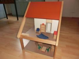 Holzspielzeug - Puppenstube mit massiv Holz Möbeln