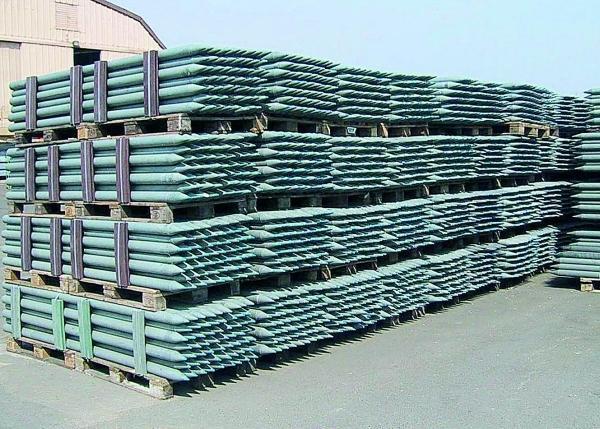 Recyclingpfähle Zaunbau in Kunststoff weiß