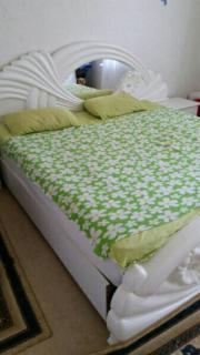 schlafzimmer mit matratze