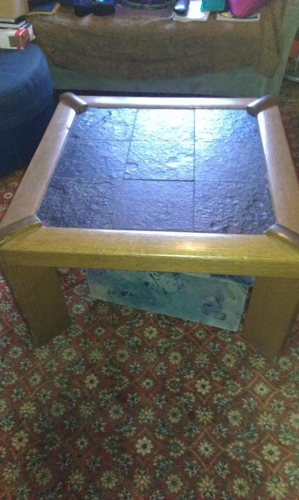 Antiker Couchtisch schöner antiker couchtisch beistelltisch schieferplatten 80x80cm