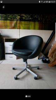 Schreibtisch, Bürostuhl