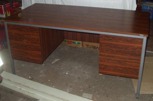 Schreibtisch zvk