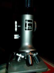Sehr schönes Mikroskop