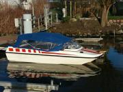 Sportboot mitTrailer und